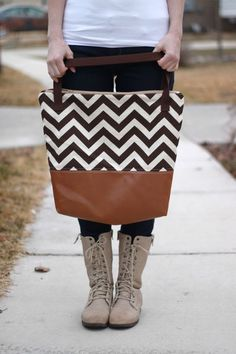 Leather bottom bag... I am going to make this before Fall