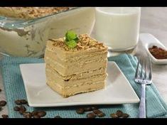 A delicious cold coffee cake, you do not need to bake anything, kids and adults will love it and your kids can help in its preparation. Mexican Food Recipes, Dessert Recipes, American Cake, Macaron Recipe, Ice Cream Desserts, Coffee Recipes, Finger Foods, Delicious Desserts, Sweet Tooth
