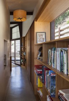 Gallery of Crossing Wall House / Mobile Office Architects - 6