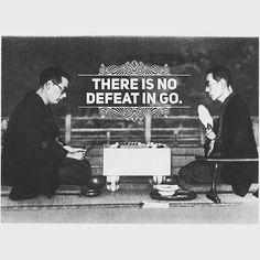 @Regrann from @gookulu - ''Go'da kaybetmek yoktur.'' Japon Go Federasyonu'ndan alıntıladığımız bu deyiş bize Go'nun hayatımızı zenginleşiren bir deneyim olduğunu anlatıyor. Mağlubiyetlerimiz için hüzünlenmememizi zaferlerimiz konusunda mütevazı olmamızı ve hatalarımızdan öğrenmemizi öğütlüyor. İşin aslı bir oyunu kaybettiğimizde bile kazanan yine biz oluyoruz. repost from @strategyclub This is a proverb from the Nihon Ki-in. In essence the commentary communicates that go is an experience…