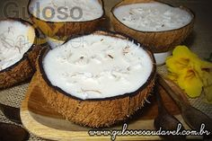 Sugestão delicia para animar a tarde... Esta Mousse de Coco Light é linda, super saborosa, fácil e levinha!  #Receita aqui: http://www.gulosoesaudavel.com.br/2012/04/20/mousse-coco-ligth/
