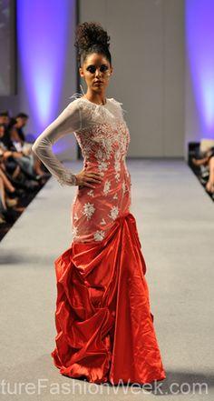 Sai Suman Couture Fashion Show New York 2013 Collection Printemps 2013 #saisuman #mode #fashion #women #femmes #printemps2013 #newyork #couturefashionshow #couture #robe #robelongue