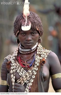 Shell adornment idea - Africa | Woman of the Hamar tribe. Turmi, Ethiopia | © Art Wolfe.