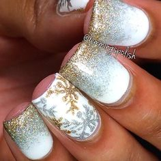 Silver and gold gradient and snowflakes wintet nails