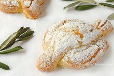 mini Easter Dove cakes...by Dulcis in Furno