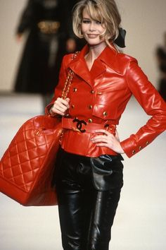 Claudia Schiffer, Chanel Couture, Chanel Runway, Chanel Paris, Donatella Versace, Christy Turlington, Pink Tweed Jacket, Leather Jacket, Red Leather