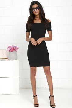 You're sure to get more than a handful of numbers over the course of a night spent in the Me Oh My Black Off-the-Shoulder Bodycon Dress! Darted knit bodice and fitted skirt meet short, off-the-shoulder sleeves with no-slip strips.