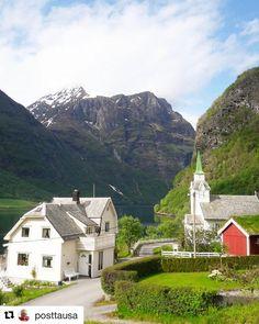 Skjønnhet. #reiseliv #reisetips #reiseblogger #reiseråd  #Repost @posttausa (@get_repost)  #Bjørke  #Hjørundfjorden #sunnmøre  #møreogromsdal #norway