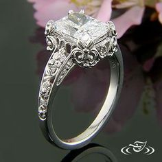 This is beautiful! http://www.greenlakejewelry.com/gallery/gallery_detail.aspx?ImgID=55415