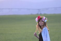 Bask handmade kimono and @JuneBlumes flower crown perfect festival wear or for photoshoot