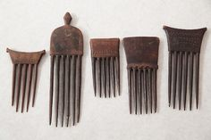 Tumblr - jaume-pinya: Five Finely Chokwe Combs, D.R. Congo Prestige combs each with long fingers and elegant engravings. First half of 20th century. The longest 24 cm/ 9 1/2 in.