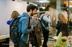 Am selectat cele mai interesante şi cele mai chic fotografii realizate în cadrul Nopţii albe a creatorilor şi designerilor de produs ediţia a VI-a. Sâmbată, 25 noiembrie 2017, între orele 19.00- 02… Noiembrie, Mai, Backpacks, Atelier, Backpack, Backpacker, Backpacking