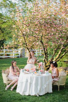 Garden party fashion editorial tea time 45 Ideas for 2019 Tea Party Photography, Time Photography, Outdoor Tea Parties, Afternoon Tea Parties, Vintage Tea, Vintage Party, Vintage Floral, Party Fashion, Fashion Shoot