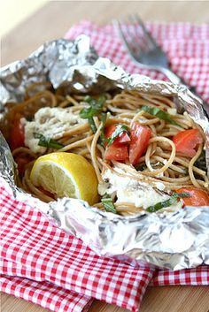 Whole Wheat Pasta Packet Recipe with Goat Cheese & Tomatoes…For Camping! Whole Wheat Pasta Packet Recipe with Goat Cheese & Tomatoes…For Camping! Foil Packet Dinners, Foil Dinners, Foil Packets, Goat Cheese Pasta, Goat Cheese Recipes, Graham Crackers, Campfire Food, Campfire Recipes, Santa Cruz