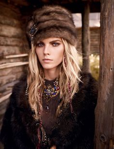 Vogue Russia | November 2011 | Mariano Vivanco - Photographer | Maryna Linchuk - Model | Olga Dunina - Stylist via Oracle Fox