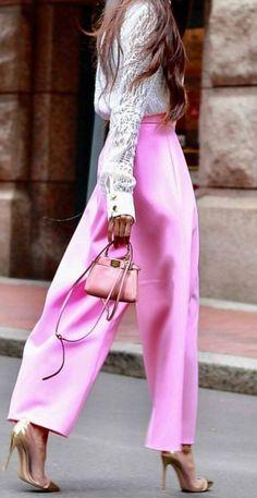 look total noir en chemise pantalon et blazer femme combiné avec manteau  long camel et bottines de cuir marron foncé  ModeFemmeT… 2f6275f03b9f