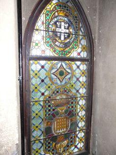Window in Warwick Castle, Warwick, England. Warwick England, Warwick Castle, Stained Glass Windows, October, Mirror, Home Decor, Decoration Home, Room Decor, Mirrors