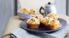 Hot Cross Bun cakes