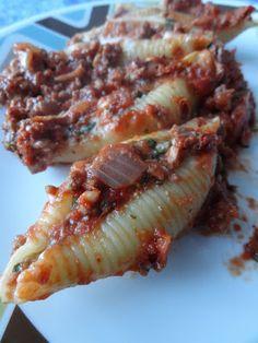 La cuisine de Josée: Coquilles farcies à la viande et au fromage