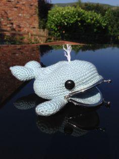 Whale Coin Purse Crochet Pattern por LauLovesCrochet en Etsy