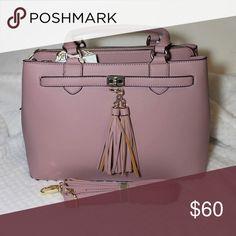 ❄️CHRISTMAS SALE ❄️Rose pink handbag Big rose pink handbag ( adding details and size tonight) Bags