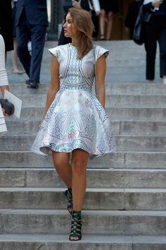 Source: flarefashion - http://flarefashion.tumblr.com/post/54674650313/paris-haute-couture-fashion-week-street