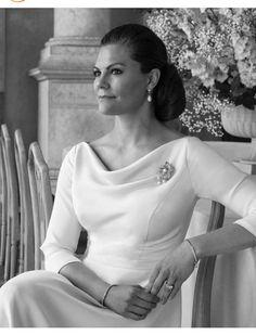 Princess Victoria Of Sweden, Princess Estelle, Crown Princess Victoria, Crown Royal, Royal Jewels, Victoria Wedding, Kroonprinses Victoria, Swedish Women, 10th Wedding Anniversary