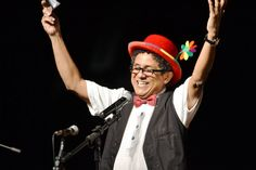 A Rádio MEC AM do Rio de Janeiro transmitiu nesta sexta-feira (29), uma edição especial do programa Rádio Maluca, para homenagear a figura e a memória do seu criador: o cantor, compositor, escritor e radialista Zé Zuca, José Carlos de Souza, o Zé Zuca, morreu na tarde desta sexta-feira (29), no Hospital Copa D'Or, no Rio de Janeiro. Ele lutava bravamente contra um câncer. Profissional multimídia, era cantor, compositor, autor, ator e diretor teatral, pedagogo, arte-educador, psicodramatista…
