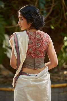 Best Kalamkari Blouse Designs Collections 2018 Are you looking for Kalamkari Blouse designs 2020 collections for your saree? Here is the collection of kalamkari blouse designs for cotton saree,Kerala saree & Kalamkari Blouse Designs, Cotton Saree Blouse Designs, Fancy Blouse Designs, Kalamkari Blouses, Latest Saree Blouse Designs, Designer Saree Blouses, Kalamkari Saree, Designer Blouse Patterns, Latest Sarees