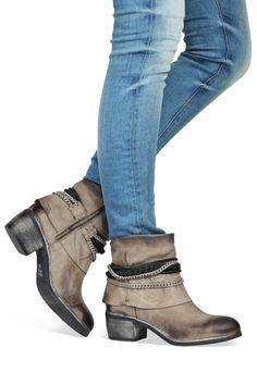 Juice boots laarzen 1254X2 taupe enkellaarsjes http://www.mooieschoenen.nl/juice-boots-1254x2-taupe-enkelaarsjes-p557346 #juice #boots