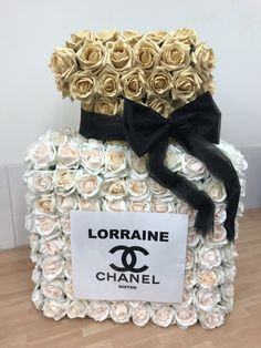 Chanel perfume bottle funeral flowers tribute, created using pink blush and peach blush artificial roses Chanel Birthday Party, Paris Themed Birthday Party, Chanel Party, Chanel Room, Chanel Decor, Chanel Flower, Chanel Perfume, Luxury Flowers, Funeral Flowers