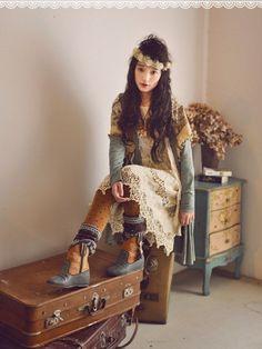 Who Are Mori Girls? Mori Girl Fashion, Cute Fashion, Kawaii Fashion, Mori Mode, Forest Girl, Hippie Man, Girl Inspiration, Zoot Suits, Japanese Fashion