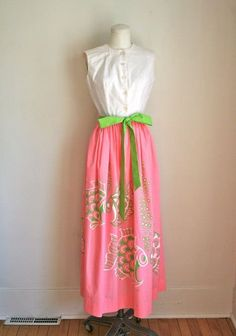 vintage 60s vested gentress dress - FISH KISS novelty print pink & green maxi dress / XS-S