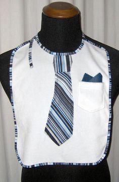 Lätzchen mit Krawatte und Brust Tasche für Erwachsene, originelles Geschenk für den Mann. Krawatten Latz online zu kaufen bei www.baby-gadget.de