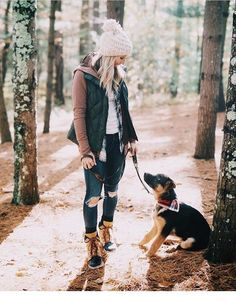 Morning Hikes & Best Outdoor Clothing // Mom Style // Fall Style for Moms // Outdoor Clothing for Busy Moms // Winter Fashion Ideas for Moms // Winter Style Tips // Lynzy & Co. Fall Winter Outfits, Autumn Winter Fashion, Fall Hiking Outfit, Hiking Outfits, Winter Vest, Winter Hiking, Mom Style Fall, Winter Style, Outfit Invierno