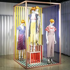 "You can never have too many stripes"", photo by Elia nardi. Spring Window Display, Fashion Window Display, Window Display Design, Shop Window Displays, Store Displays, Visual Merchandising Displays, Fashion Merchandising, Visual Display, Shop Front Design"