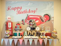 Vintage toy theme!  Fun! #vintagepartythemes #kidsbirthdays #kidssummerparties