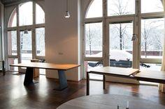 Eiche Esstisch nach Maß von MBzwo. MBzwo Showroom in Berlin.