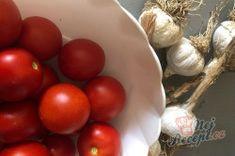 Příprava receptu Česnekovo rajčatová směs za studena, kterou netřeba ani zavařovat a nezkazí se., krok 1 Food And Drink, Vegetables, Vegetable Recipes, Veggies