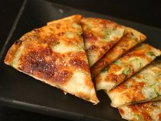 Flaky Scallion Pancakes (The Food Lab, from Serious Eats) Serious Eats, Scallion Pancakes Chinese, Korean Scallion Pancake, Pork Floss, Asia Food, Chinese Appetizers, Chinese Desserts, Vegetarian Recipes, Cooking Recipes