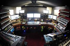 this is what #synth heaven looks like #Iwanttogotothere