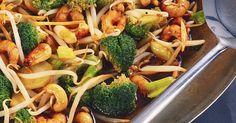Shrimps mit Brokkoli und Sprossen aus dem Wok ist ein Rezept mit frischen Zutaten aus der Kategorie Garnelen. Probieren Sie dieses und weitere Rezepte von EAT SMARTER!