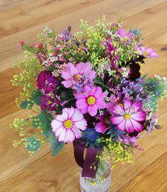 #amandansail#novarese#VressetRose #Wedding #pink #bouquet#smokypink #natural #Flower #Bridal #rose#ノバレーゼ#アマンダンセイル#ブレスエットロゼ #ウエディング# ピンク #スモーキーピンク #シンプル#ブーケ#ナチュラル# ブライダル#結婚式#クラッチブーケ#コスモス