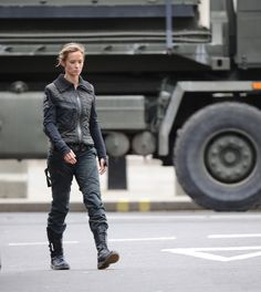 Emily Blunt in Edge of Tomorrow - Google Search