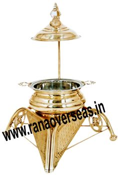 Brass Chafing Dish caterers, banquet halls, parties and functions and other eating outlets. Brass Chafing Dishes are also ideal gift items. An extensive range of our Brass Chafing Dishes includes superior quality Decorative Brass Chafing Dishes that are fabricated from supreme quality metals. Our entire range of these Brass Chafing Dishes is praised by our clientele for its longevity, high durability, and modern designs. Mirror Finish, Corrosion resistant, Easy to clean and Perfect finish.