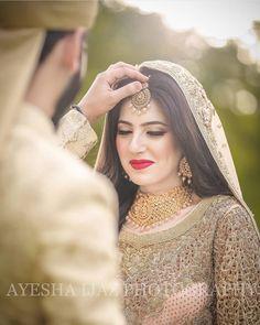 Pakistani Bridal Makeup Hairstyles, Pakistani Bridal Dresses, Shadi Dresses, Indian Wedding Photography Poses, Wedding Picture Poses, Girl Photography, Couple Wedding Dress, Wedding Dresses For Girls, Bridal Photoshoot