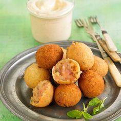 Découvrez la recette Croquettes de patates douces sur cuisineactuelle.fr.