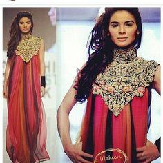 xpaki:  Pakistani fashion via pakistaniclothes Toooo flowy?!? #pakistaniclothes #desi #desiclothes #elegant #colours #colourcombination http://ift.tt/1kdf21i