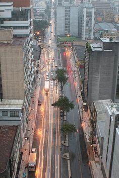 Curitiba sob chuva.
