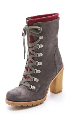 19534326ca5f UGG Australia W Fabrice Boots with Lug Sole Winter Boots Outfits